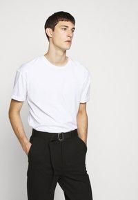 DRYKORN - THILO - Basic T-shirt - weiss - 0