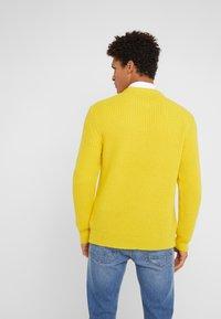 DRYKORN - HENDRY - Jumper - yellow - 2