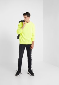 DRYKORN - RAZER - Sweatshirt - yellow - 1