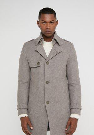 SKOPJE - Krátký kabát - beige