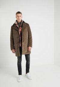 DRYKORN - BROSKKO - Płaszcz wełniany /Płaszcz klasyczny - khaki - 1