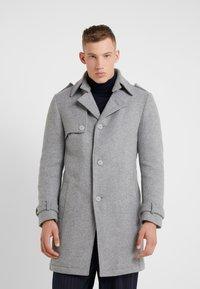 DRYKORN - SKOPJE - Short coat - grau - 0