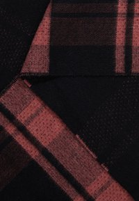 DRYKORN - FIMBULL - Schal - black/pink - 2