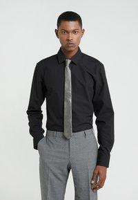 DRYKORN - TIE SLIM - Krawatte - silver grey - 1