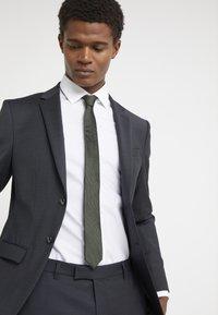 DRYKORN - TIE SLIM - Krawatte - khaki - 0