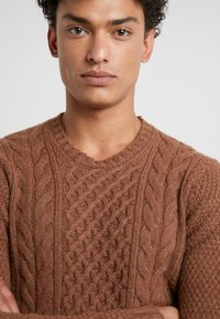 Drumohr - CREW NECK - Jumper - brown - 5