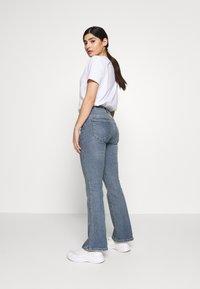 Dr.Denim Petite - SONIQ - Flared Jeans - west coast - 2