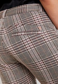 Dranella - FANGO PANTS FASHION FIT - Spodnie materiałowe - beige - 4