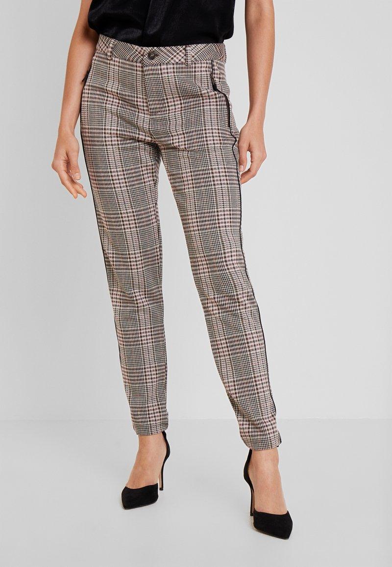 Dranella - FANGO PANTS FASHION FIT - Spodnie materiałowe - beige