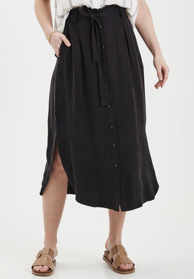 DRJOHANNE 3 SKIRT - HIGH SLITS - Spódnica trapezowa - black