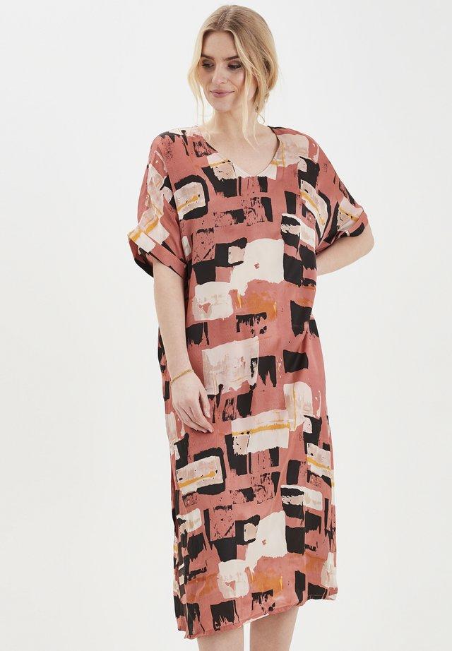 DRILOU - Korte jurk - aragon
