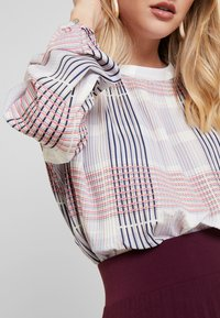 Dranella - DRHILAY BLOUSE - Blouse - off-white - 5