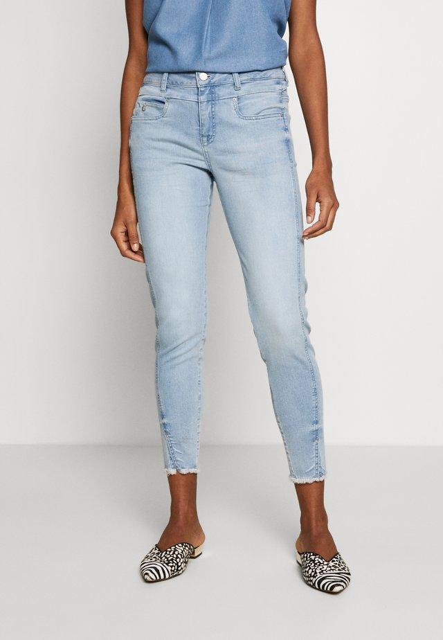 TESSA FIT - Jeans slim fit - light blue