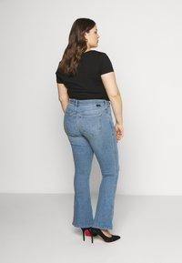 Dr.Denim Plus - SONIQ FLARE - Flared jeans - westcoast light blue ripped - 2