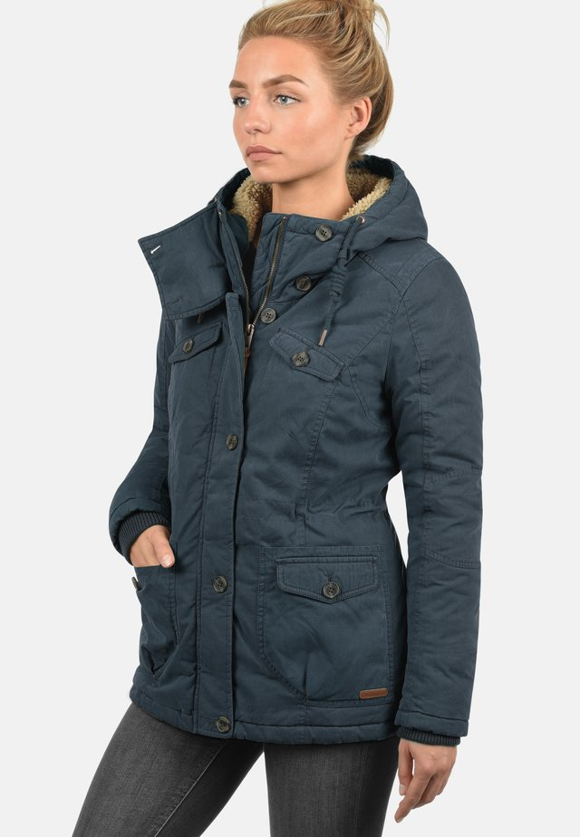 WINTERJACKE LEWANA - Winter jacket - insignia b
