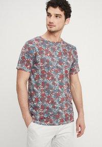 Dstrezzed - CREW TROPIC GARDEN MELANGE - T-Shirt print - medium grey melange - 0