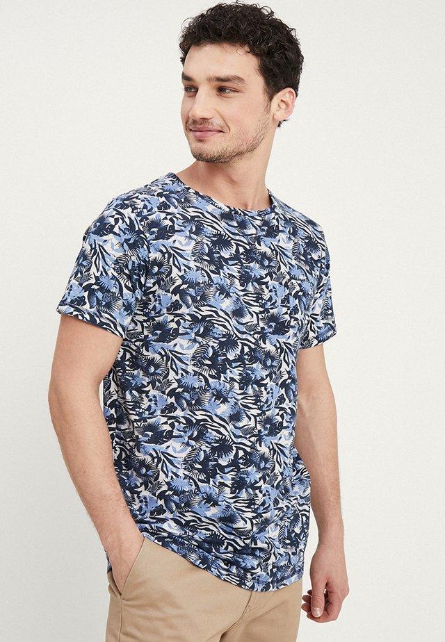CREW TROPIC GARDEN MELANGE - T-shirt med print - blue