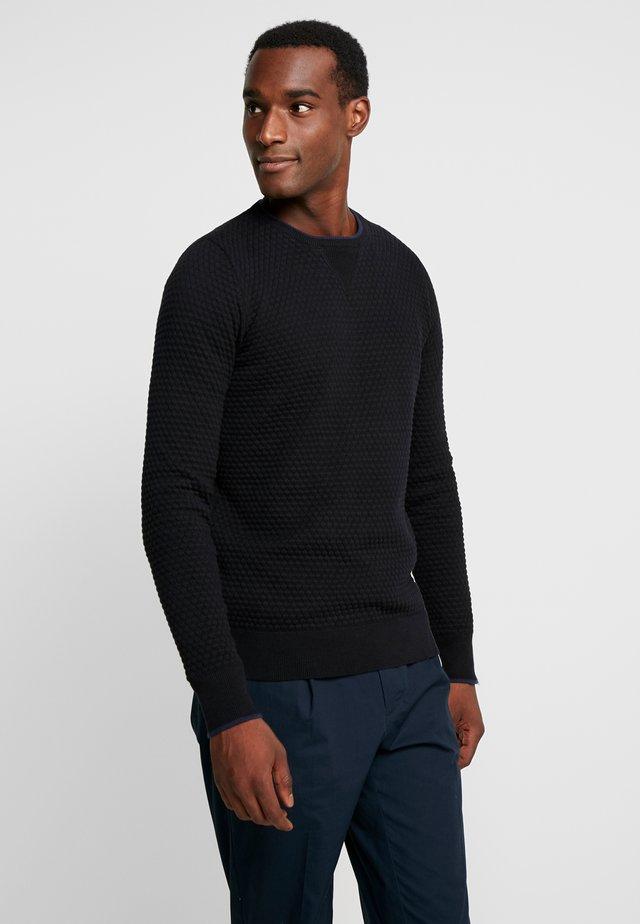 CREW PINEAPPLE - Stickad tröja - black