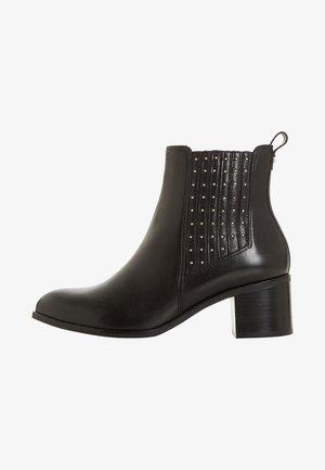 PLAZA - Støvletter - black