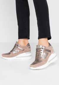 Dune London - ELOUERA - Trainers - taupe - 0