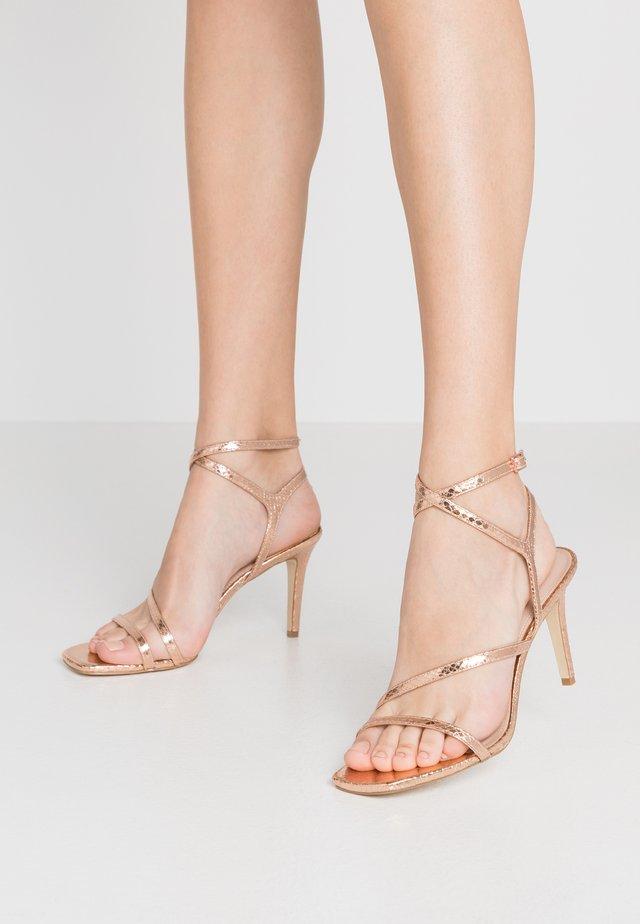 MIGHTEYS - Sandalen met hoge hak - rose gold