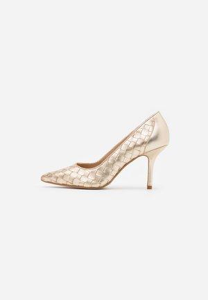 BOWE - Classic heels - gold