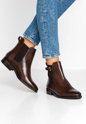 PORRTIA - Korte laarzen - brown