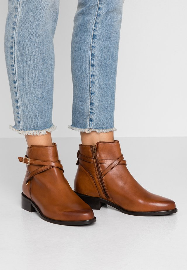 PEPER - Ankle boots - tan