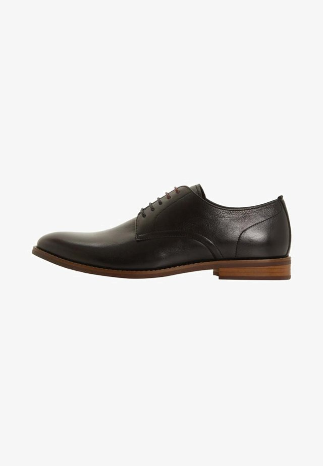 SUFFOLKS - Smart lace-ups - black