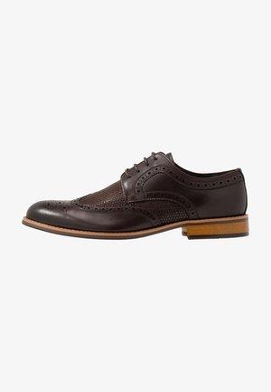 STATIC - Šněrovací boty - brown