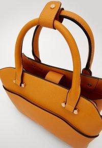 Dune London - DINIDARING - Handbag - orange - 4