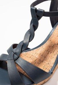 Dune London WIDE FIT - WIDE FIT KOALA - Korkeakorkoiset sandaalit - navy - 2