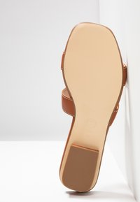Dune London WIDE FIT - WIDE FIT LOUPE - Mules - tan - 5