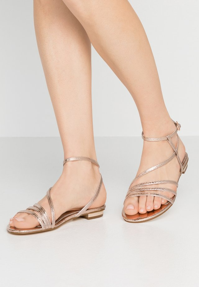 WIDE FIT NISSEY - Sandalen - rose gold