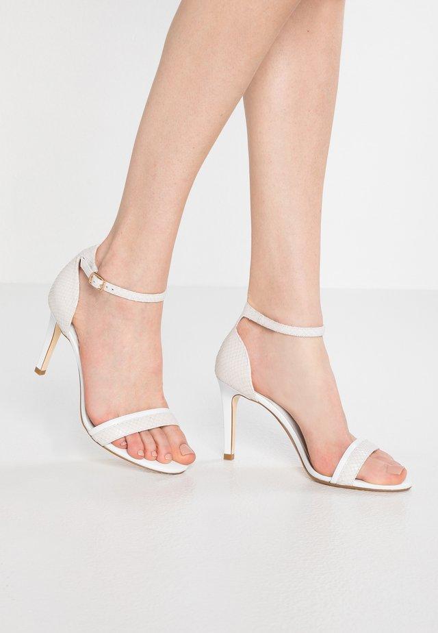 WIDE FIT MERINO - Sandaletter - white