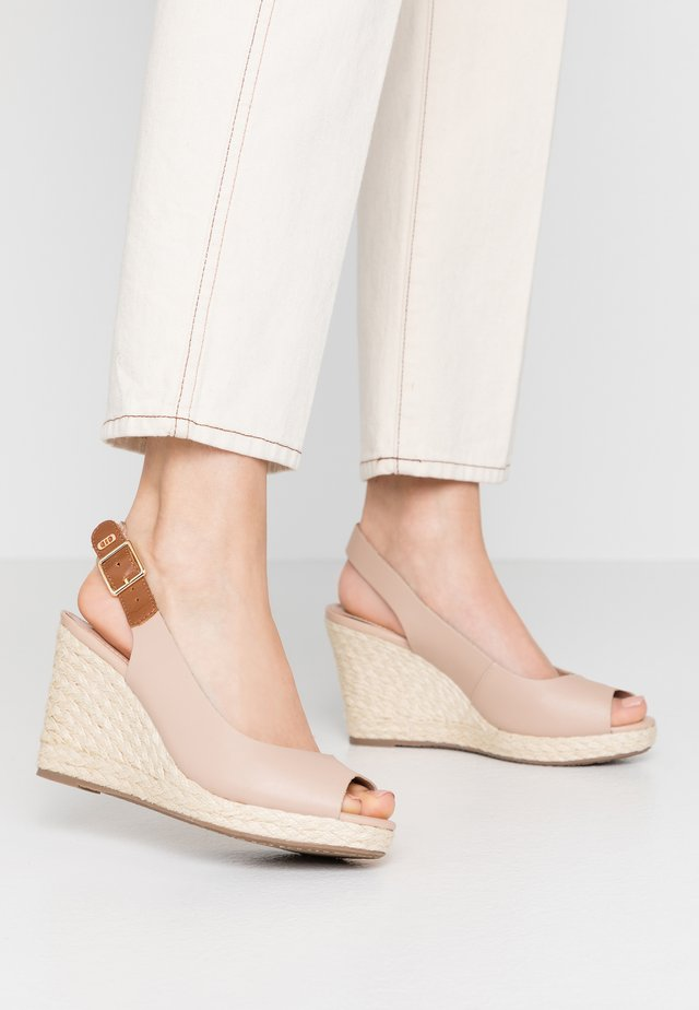 WIDE FIT KICKS  - Sandalen met hoge hak - blush