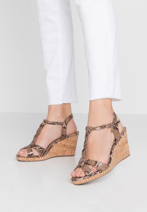 WIDE FIT KOALA - Sandály na vysokém podpatku - beige