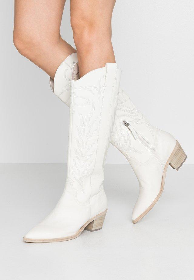 SOLEI - Kovbojské/motorkářské boty - white