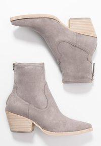 Dolce Vita - SHANTA - Cowboy/biker ankle boot - grey - 3