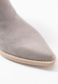 Dolce Vita - SHANTA - Cowboy/biker ankle boot - grey - 2