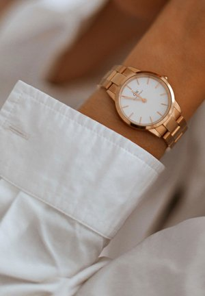 ICONIC LINK 32mm - Watch - rose gold