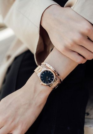ICONIC LINK 28mm - Watch - rose gold