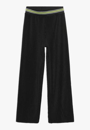 VIKKA - Spodnie materiałowe - black