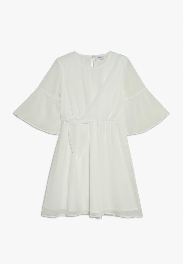 LORETTA - Koktejlové šaty/ šaty na párty - off white