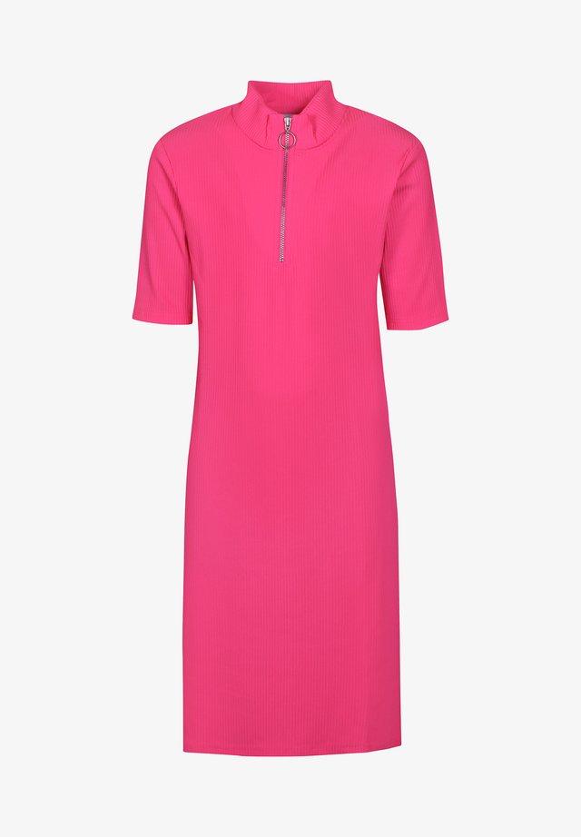 Jumper dress - knockout pink