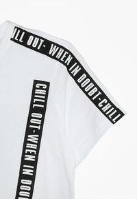 D-XEL - COSMO  - Camiseta estampada - white - 2