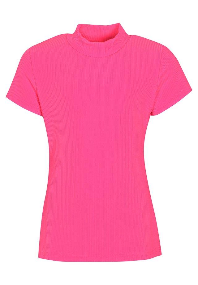 Basic T-shirt - knockout pink