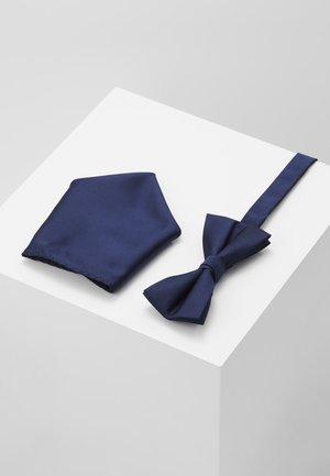 BUSTER SET - Kapesník do obleku - navy