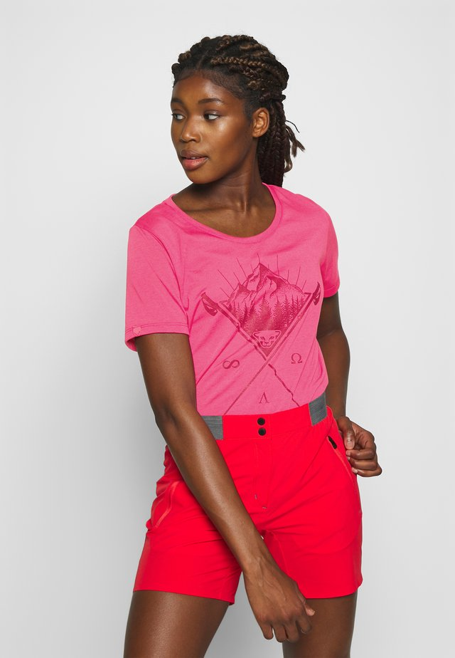 TRANSALPER GRAPHIC  - Print T-shirt - lipstick