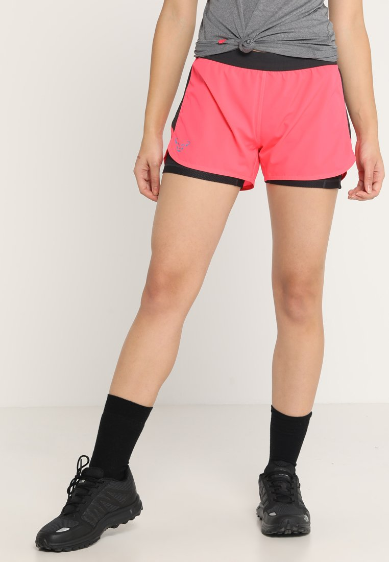 Dynafit - ALPINE PRO - Pantalones montañeros cortos - fluo pink